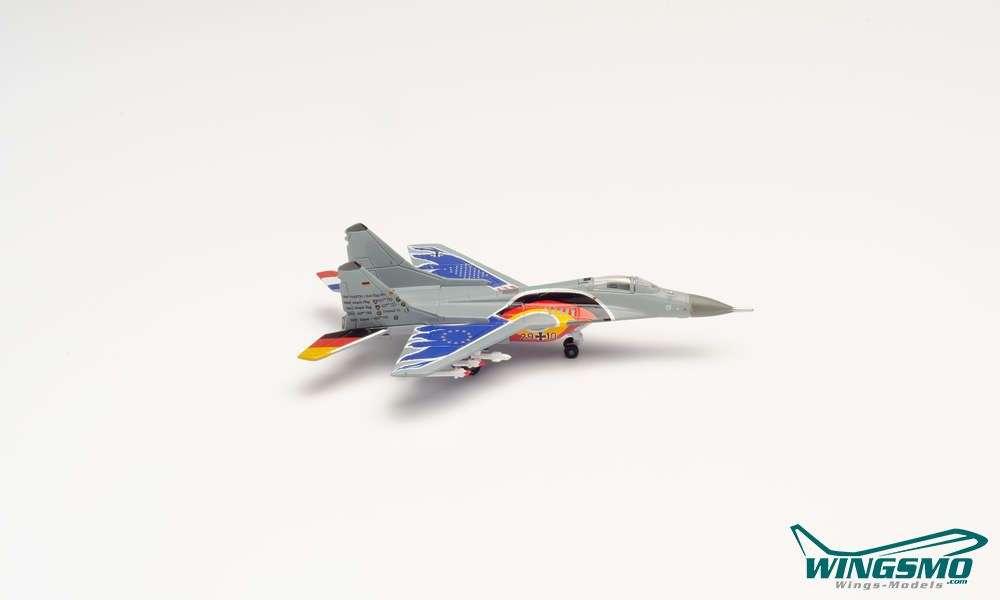 1//72 ep 2187 MIG 29 Fulcrum Farewell 2003 Pilot Oberstl Tom Hahn JG 73 Steinhof