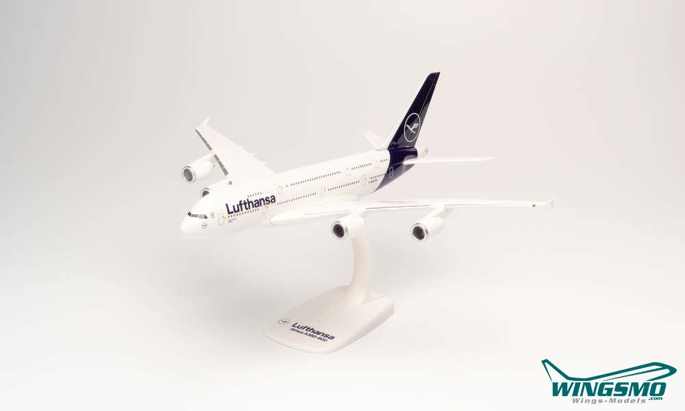Herpa Wings 1:250 SNAP FIT  Boeing 747-8  Lufthansa  D-ABYA  Brandenburg  611930