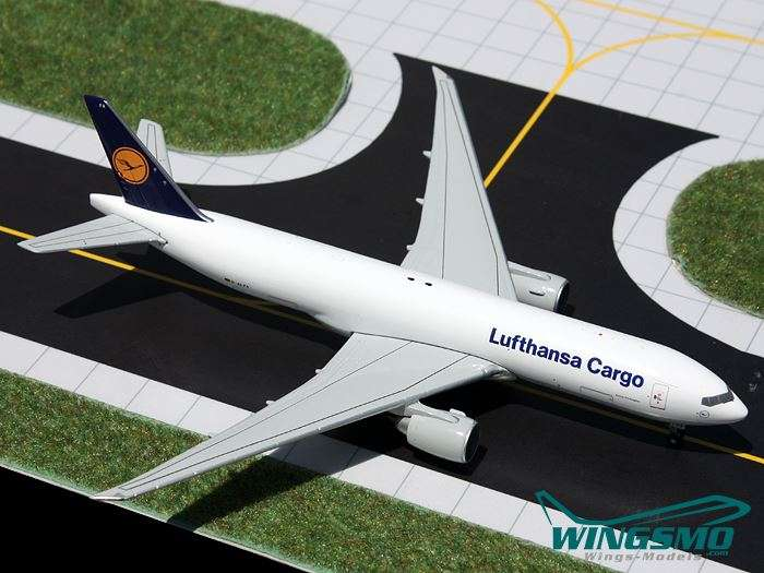 Limox Wings Boeing 777F Lufthansa Cargo Scale 1:400 GJDLH1364