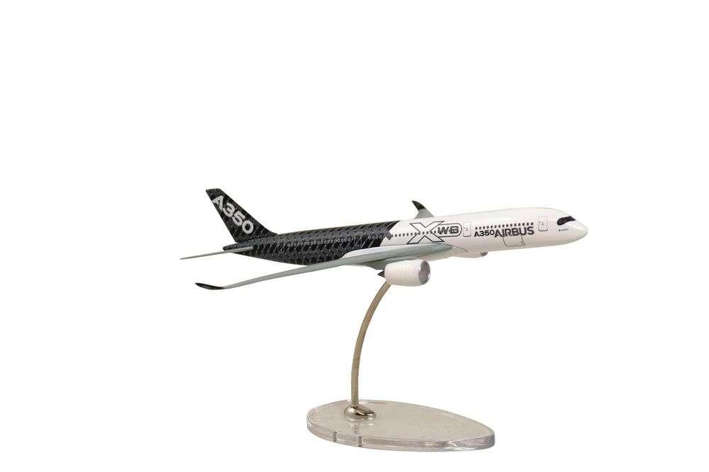 """Limox Wings Airbus A350 XWB """"Carbon"""" 1:400 4401032"""
